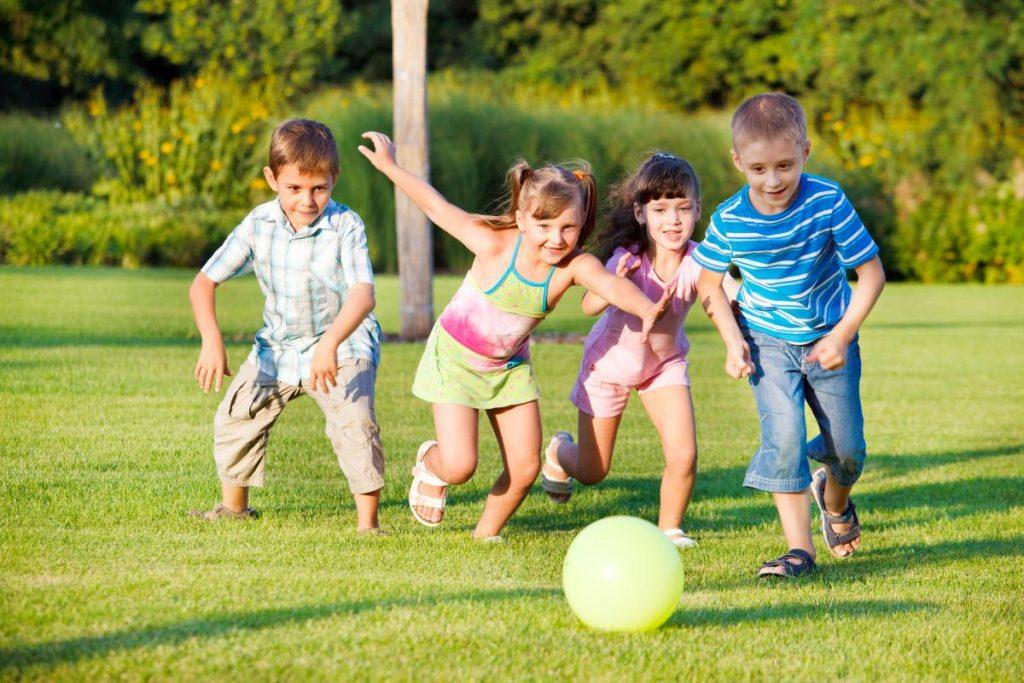 chơi để trẻ học hỏi và trưởng thành