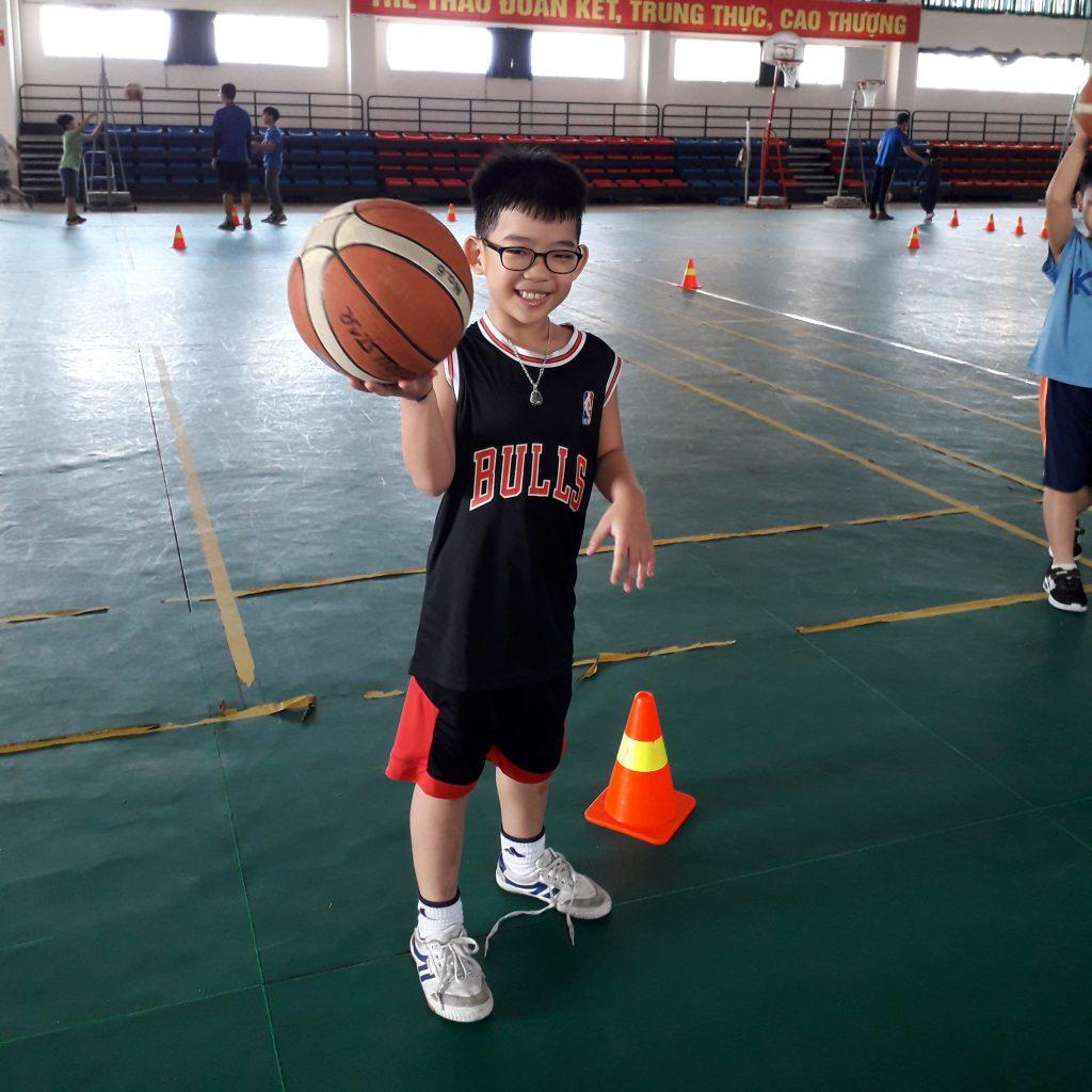 Tại sao nên thường xuyên cho trẻ vận động
